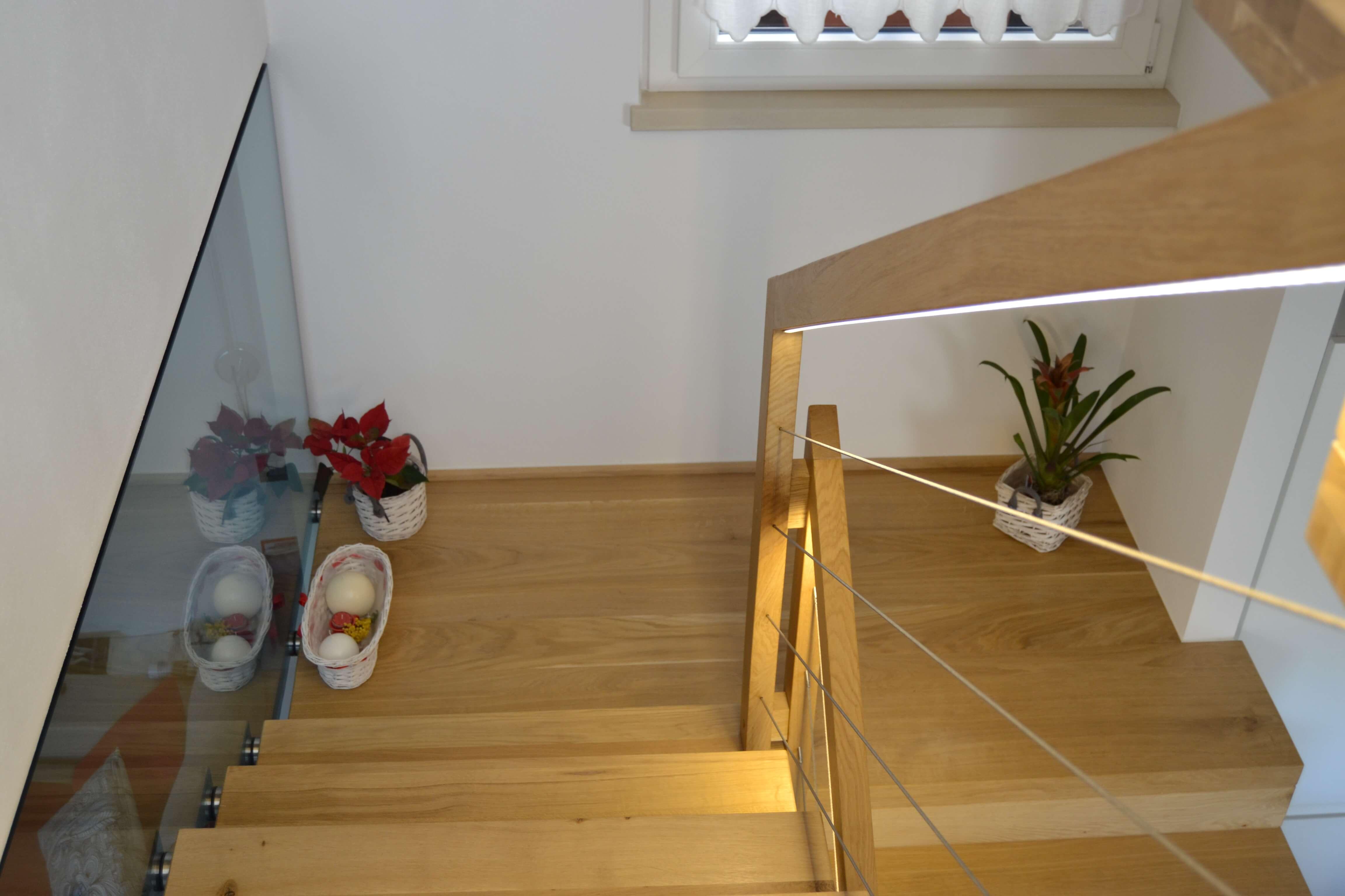 Illuminare la scala con il corrimano blog speziale scale for Corrimano in legno leroy merlin