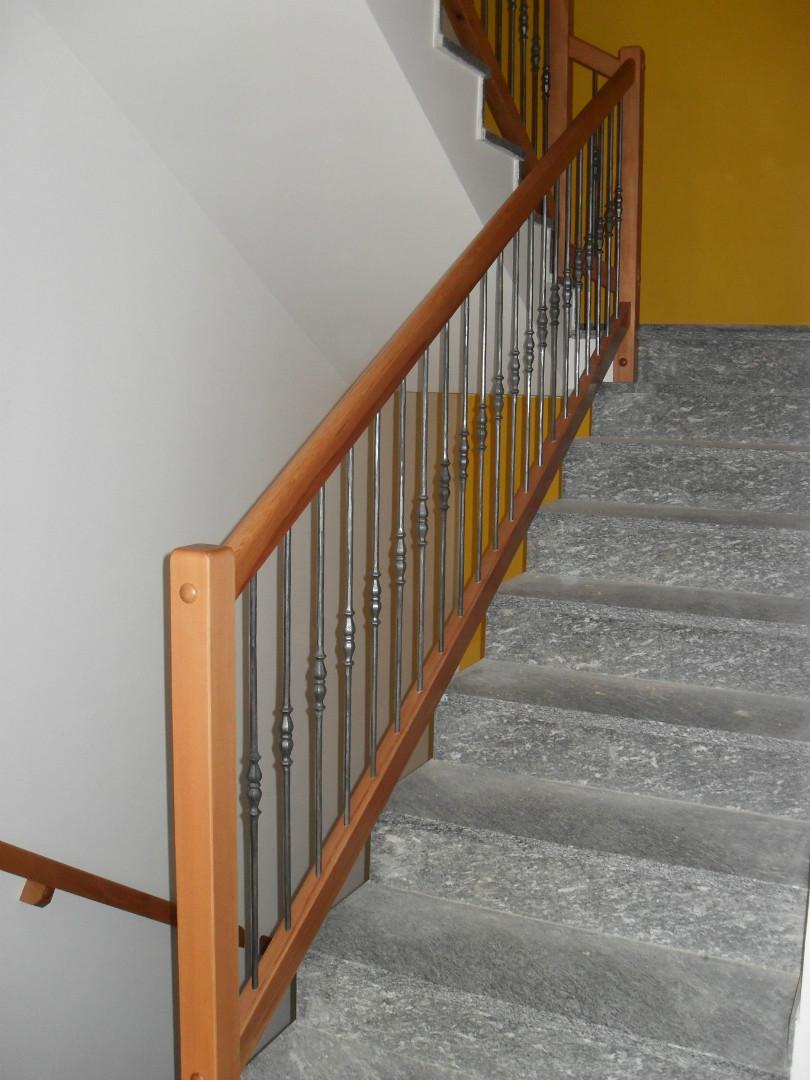 Ringhiere da interno moderne amazing muratura smaltati for Ringhiere in legno leroy merlin