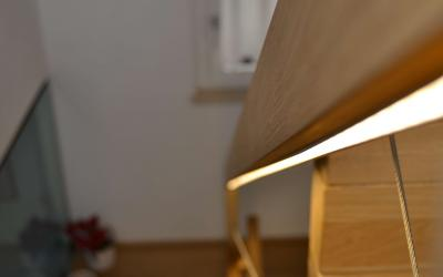 Illuminare la scala con il corrimano